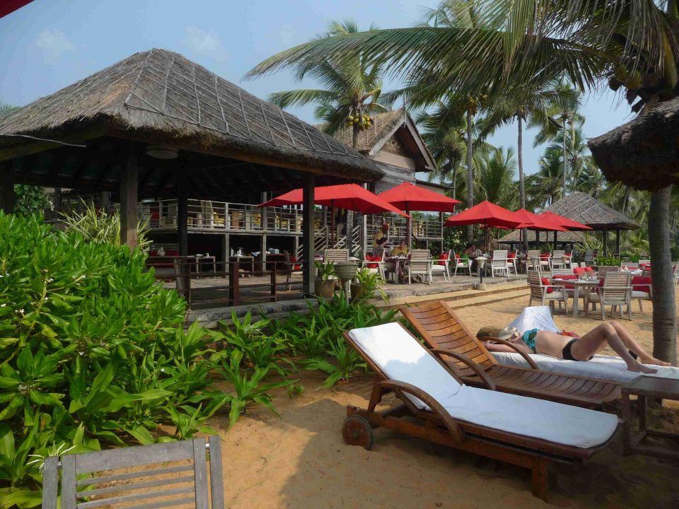 Mit Strandrestaurant im Hintergrund Hotel Vivanta by Taj Kovalam