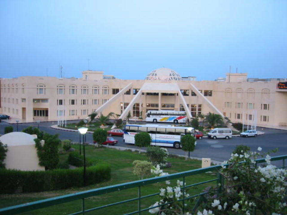 Das Hotel von vorne Tia Heights Makadi Bay