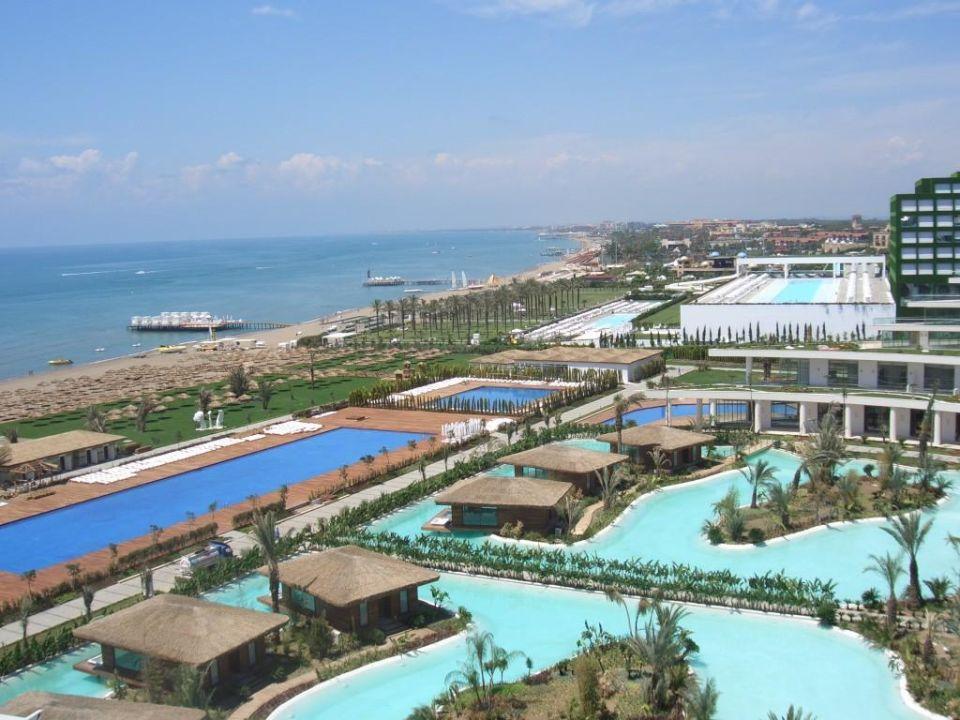 Blick auf die Villen mit Butler Maxx Royal Belek Golf Resort