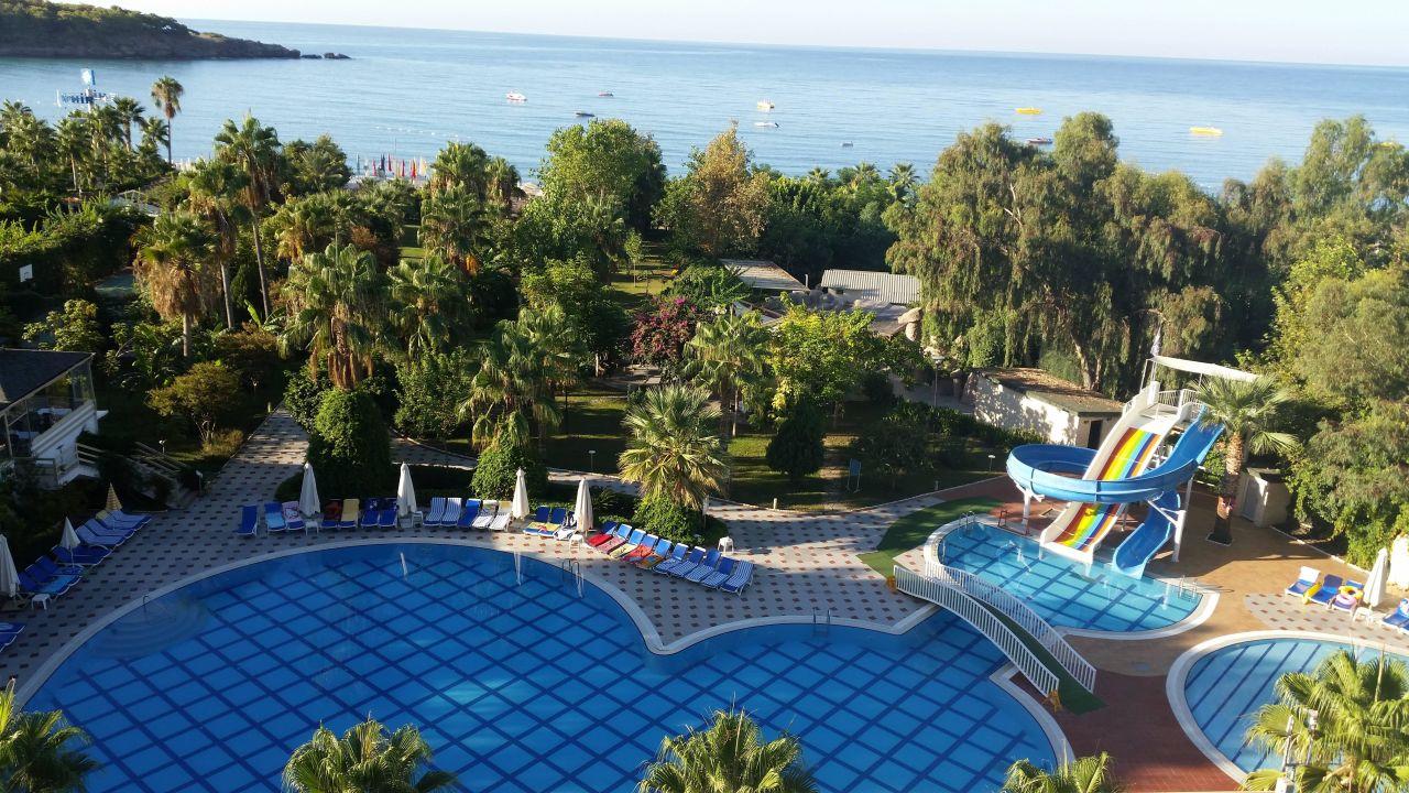 bild pool beleuchtet zu lycus beach hotel in okurcalar. Black Bedroom Furniture Sets. Home Design Ideas
