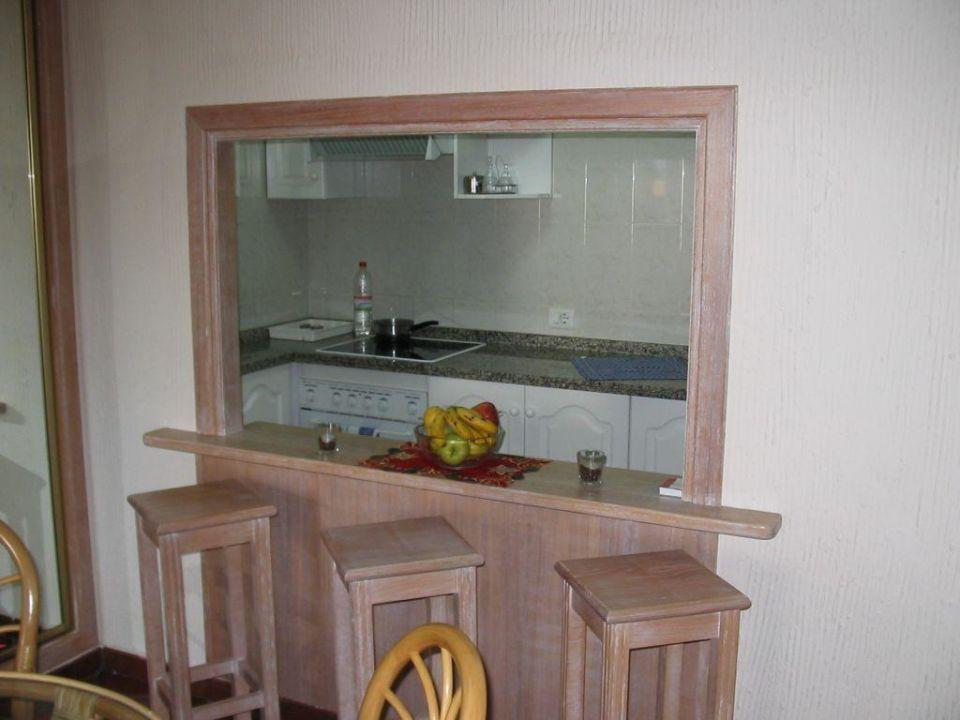 Wohnraum - Durchreiche zur Küche -\