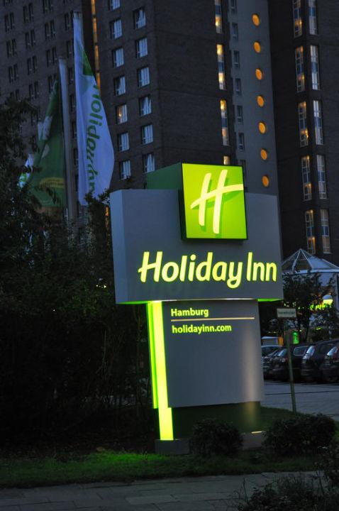 Auffahrt Parkplatz Hotel Holiday Inn Hamburg