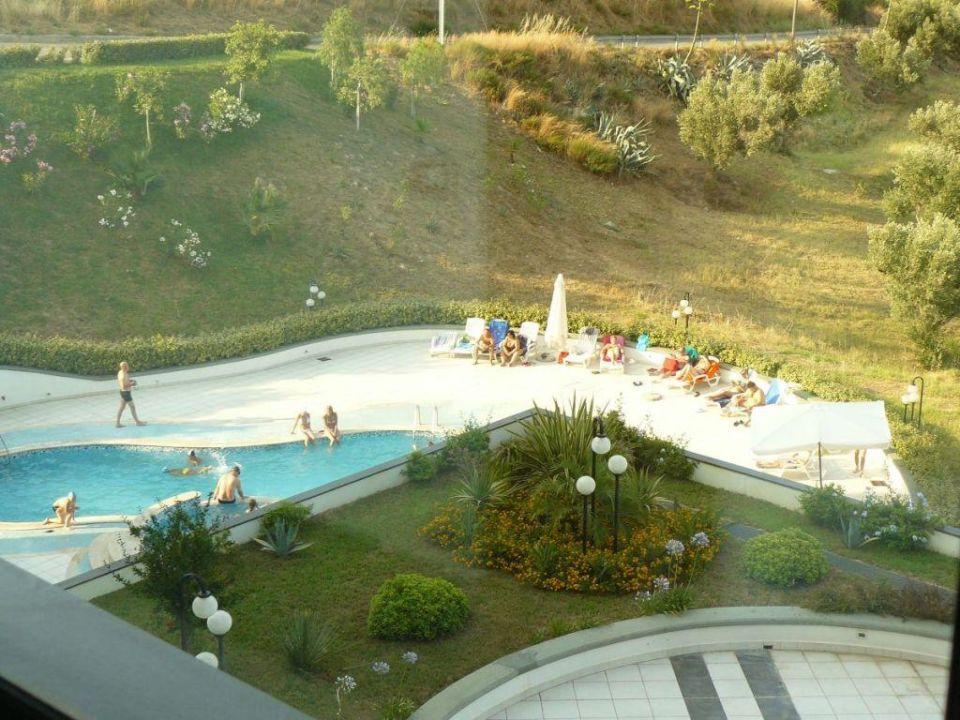 Basen Hotel Mirabeau Park