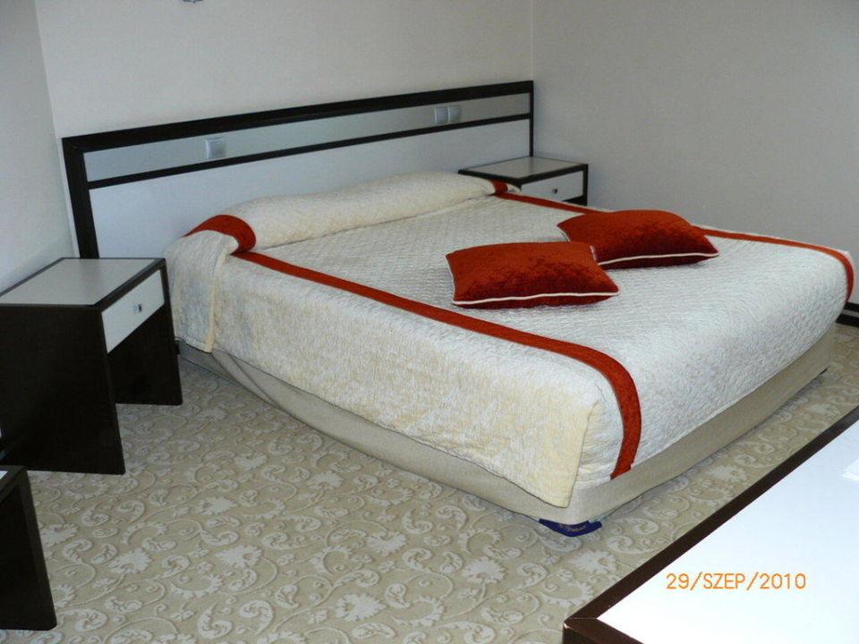Family room Bellis Deluxe Hotel