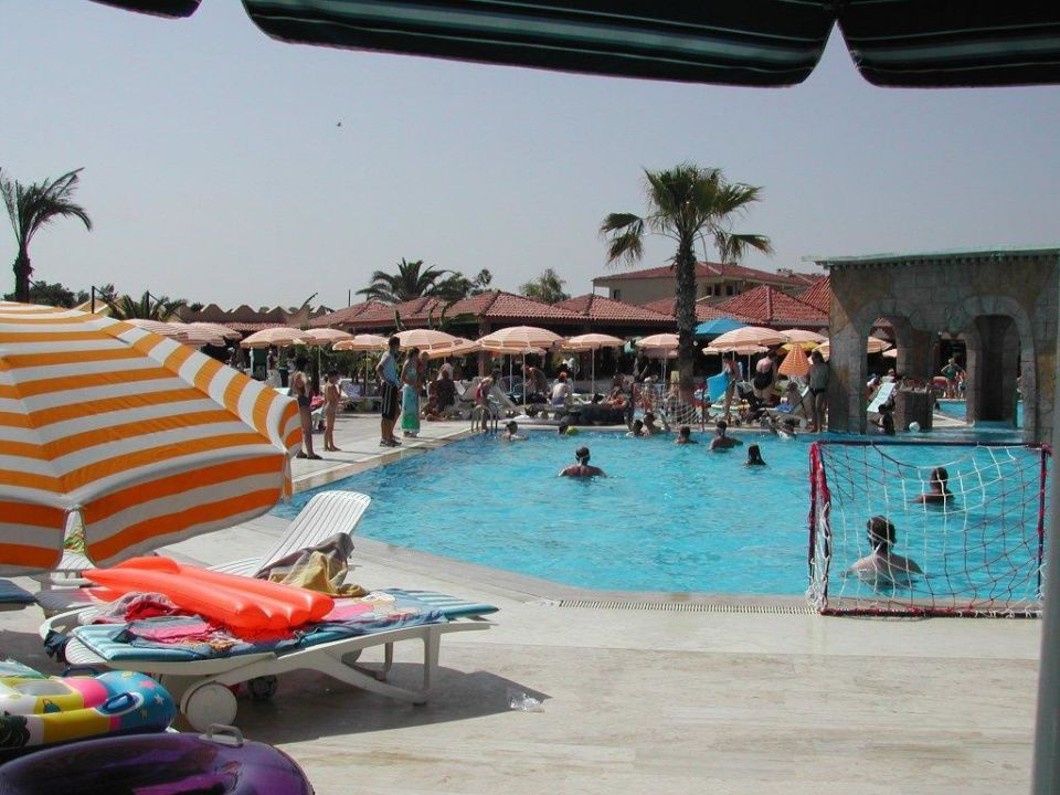 Pool Club Belinda Village COOEE Serra Garden
