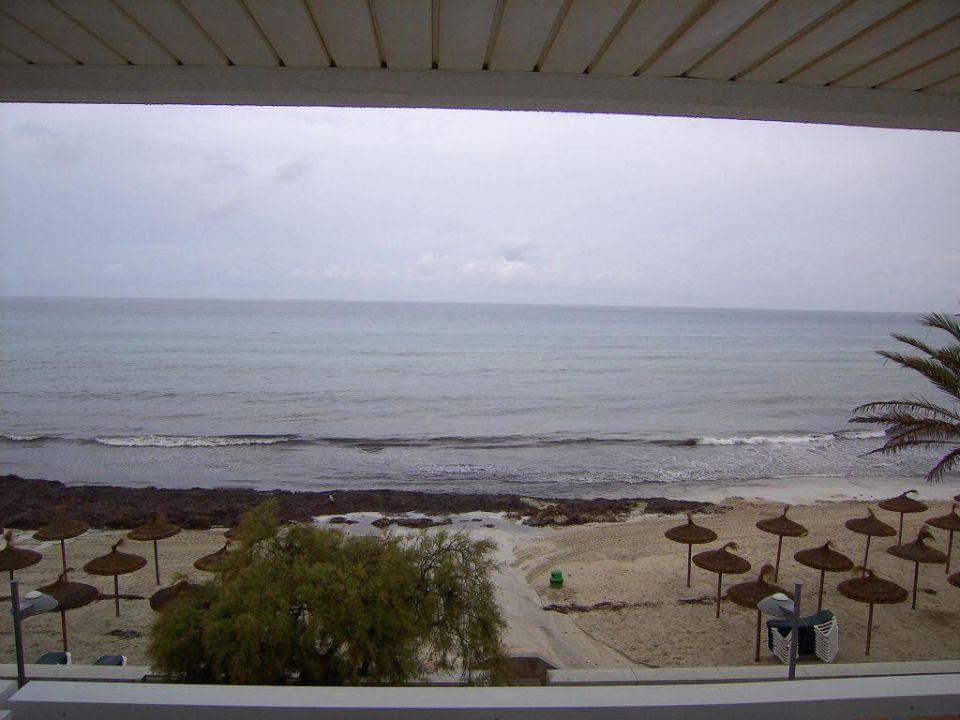 Ausblick auf den Strand (Zimmer 214) Hotel Voramar