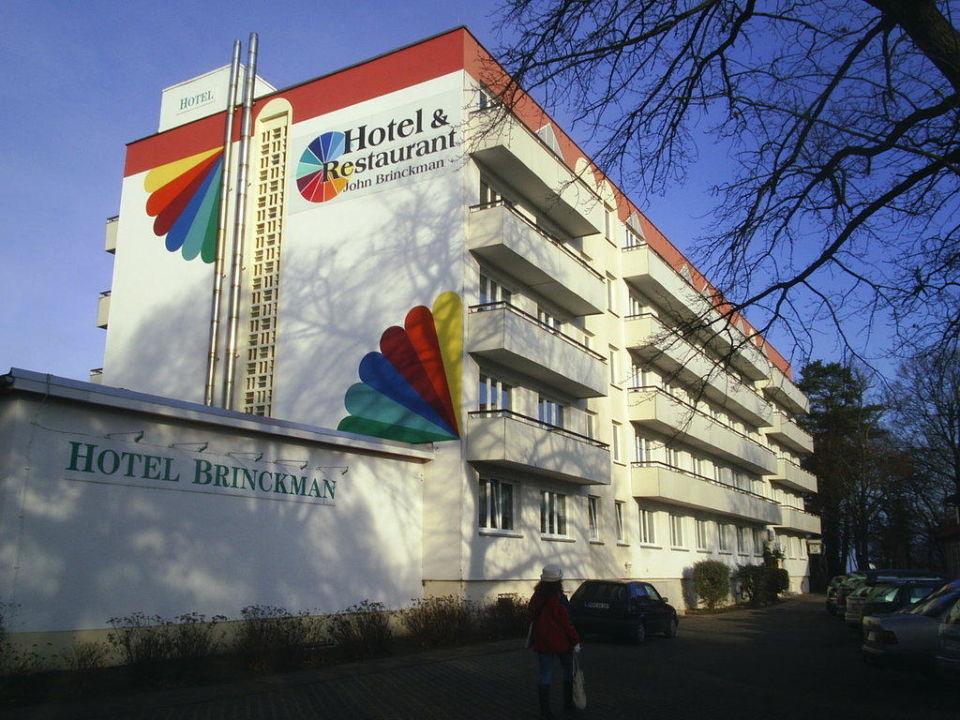 Nicht zu übersehen Hotel John Brinckman