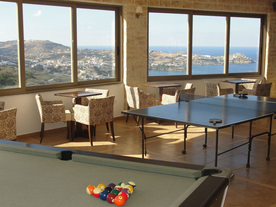 Cafe & Billard & Ping Pong Spiros & Soula Apartments