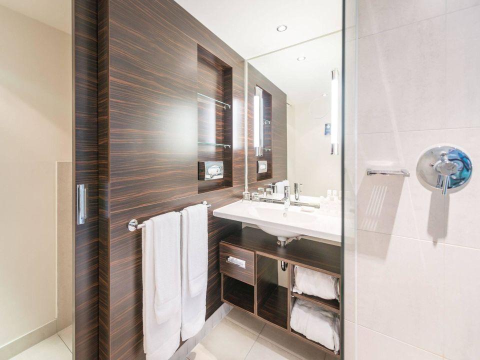 "badezimmer 1920, badezimmer business"" radisson blu hotel leipzig (leipzig, Badezimmer"