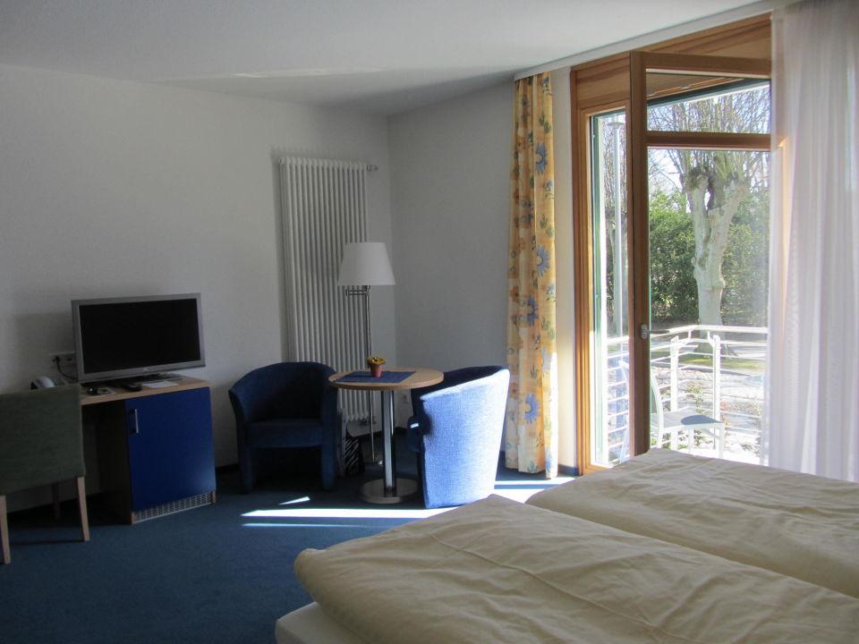 bild doppelzimmer komfort zu hotel edison in k hlungsborn. Black Bedroom Furniture Sets. Home Design Ideas