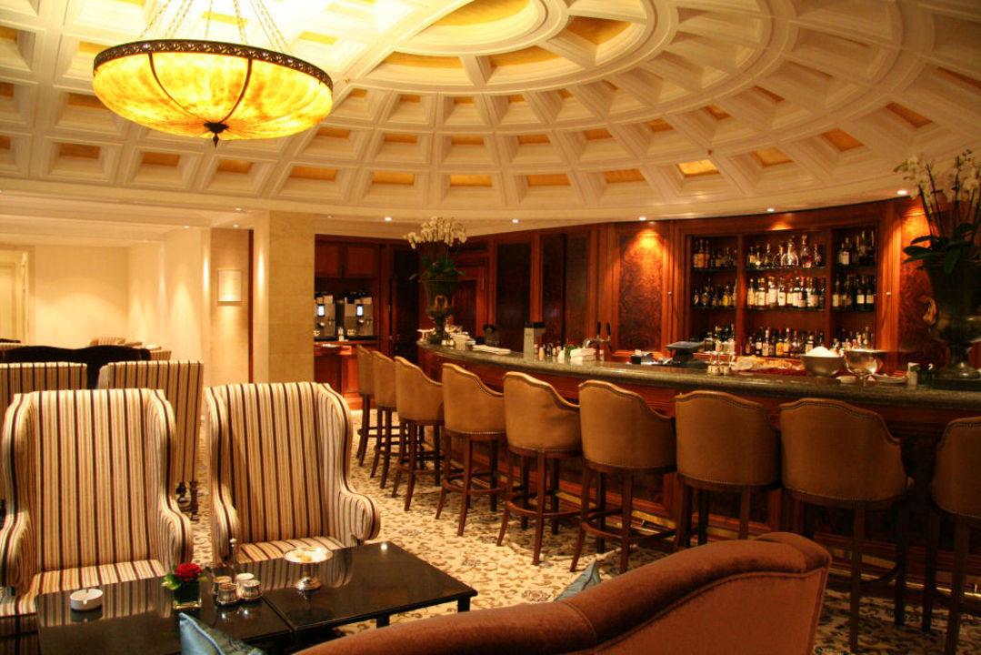 adlon kempinski bar hotel adlon kempinski berlin berlin mitte holidaycheck berlin. Black Bedroom Furniture Sets. Home Design Ideas