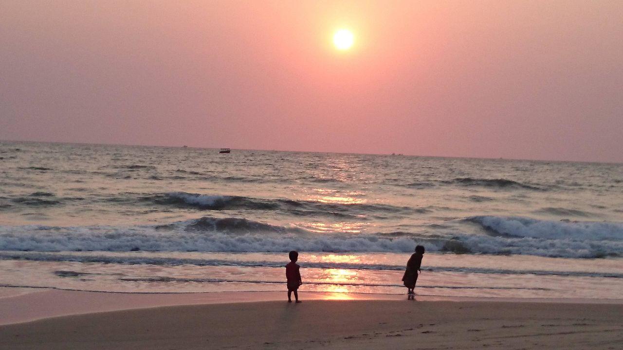 Закаты, местные детки Hotel Majorda Beach Resort