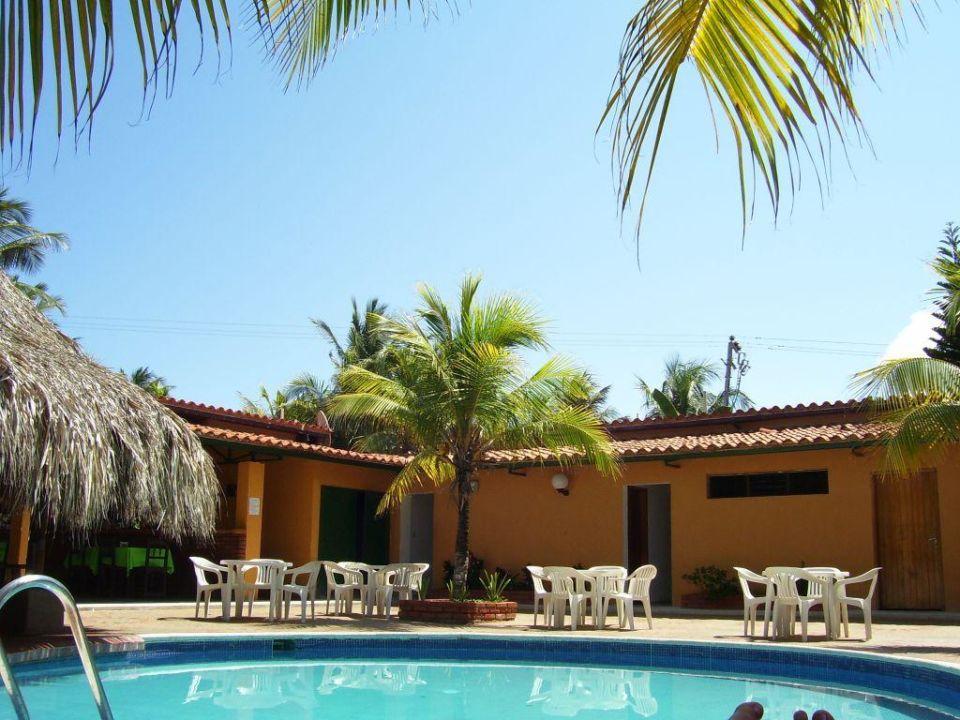 Vorderer Pool links zum Restaurant und zur Poolbar Hotel Golden Paradise