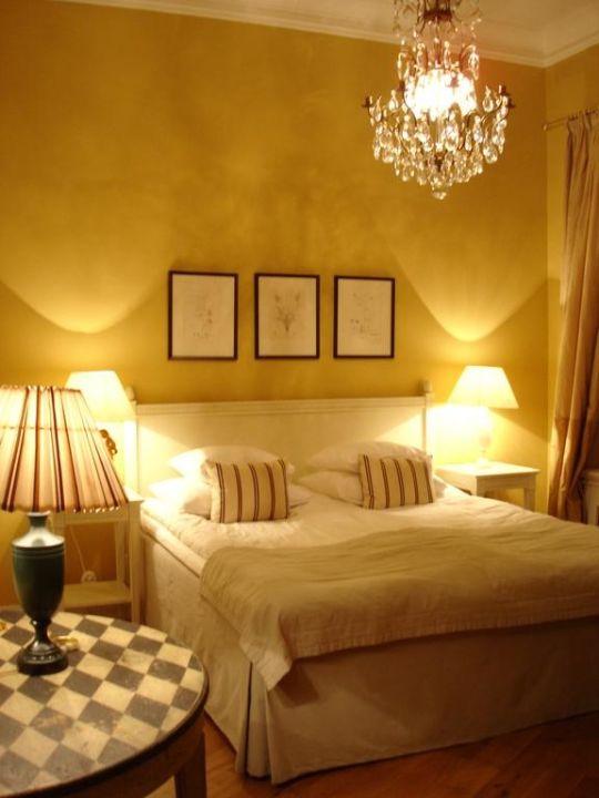 """Zimmer In Beige/Gold"""" Hotel Drottning Kristina Stureplan"""