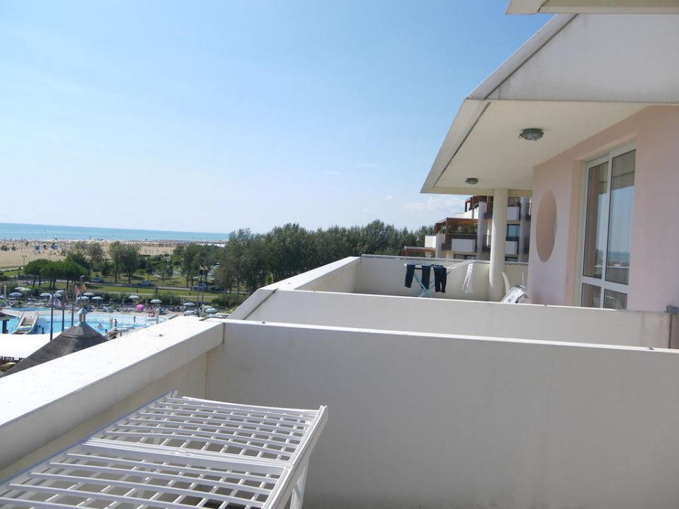 Ausblick vom Balkon Aparthotel Holiday