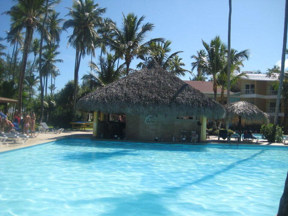 Eine von vielen Poolbars Grand Palladium Bávaro Suites Resort & Spa