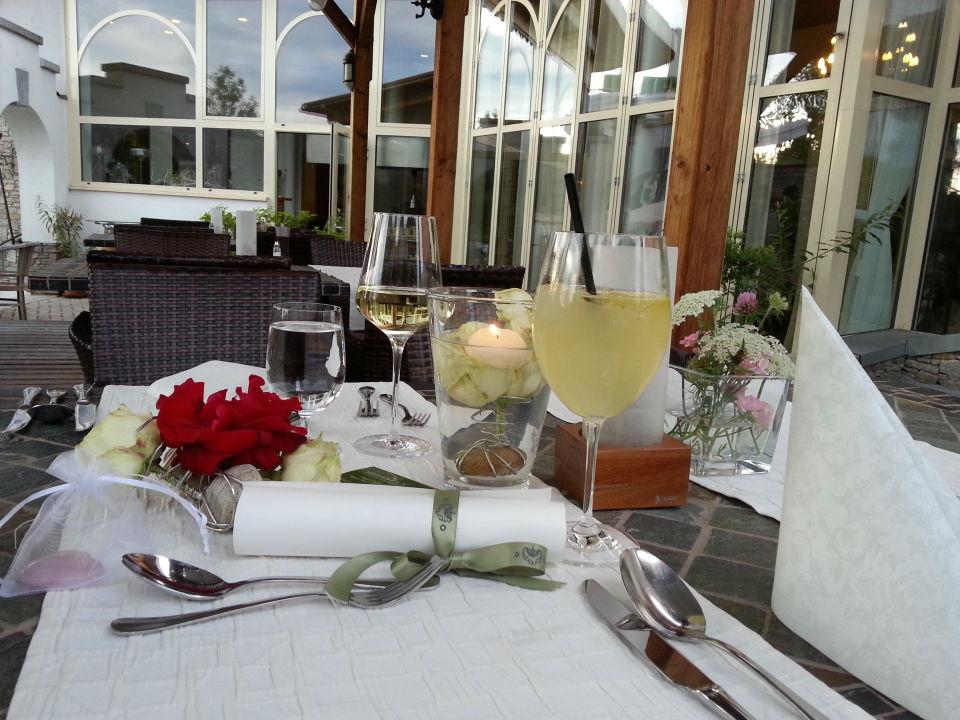 Liebevolle Deko Zum Hochzeitstag Garten Hotel Ochensberger St