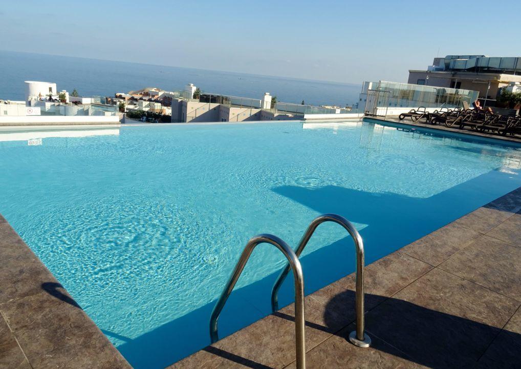 pool auf dem dach db san antonio hotel spa qawra holidaycheck majjistral malta. Black Bedroom Furniture Sets. Home Design Ideas