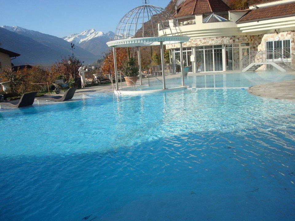 Outdoor Hotelpool Luxury DolceVita Resort Preidlhof