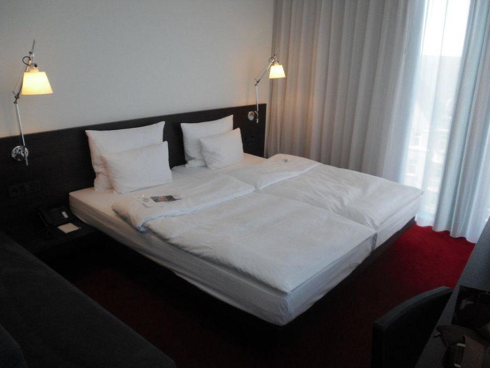 Schlafbereich Empire Riverside Hotel Hamburg