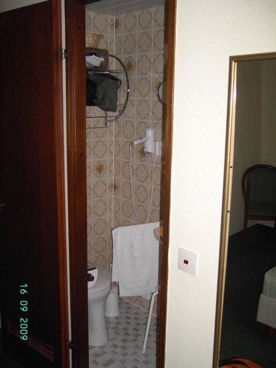 Waschraum Hotel Sascha's Kachelofen