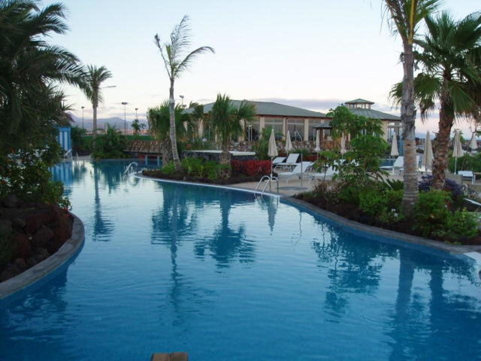 Pool und Pavillion R2 Pajara Beach