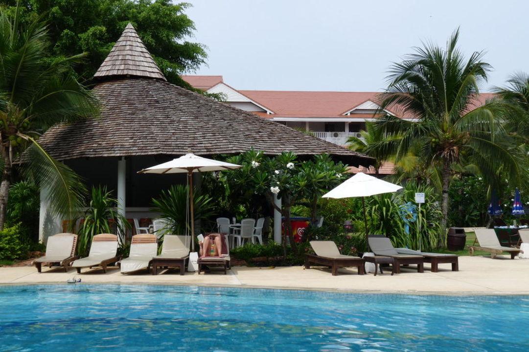 Poolbar Aonang Villa Resort