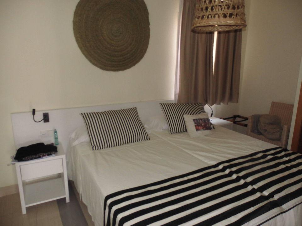 schlafzimmer baby fergus club europa calvia. Black Bedroom Furniture Sets. Home Design Ideas
