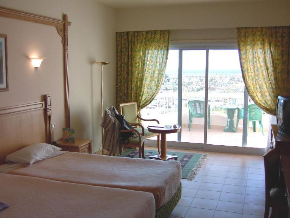 Doppelzimmer im Hauptgebäude Hotel Hilton Long Beach Resort