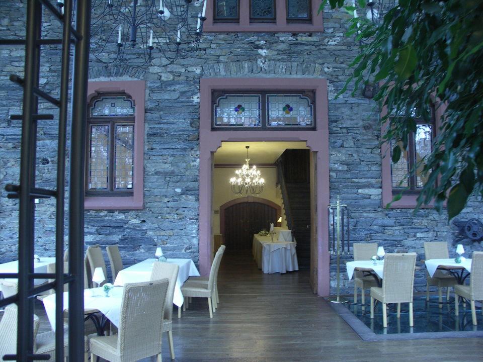 fr hst cksraum und eingang zum buffet weinromantikhotel richtershof m lheim an der mosel. Black Bedroom Furniture Sets. Home Design Ideas