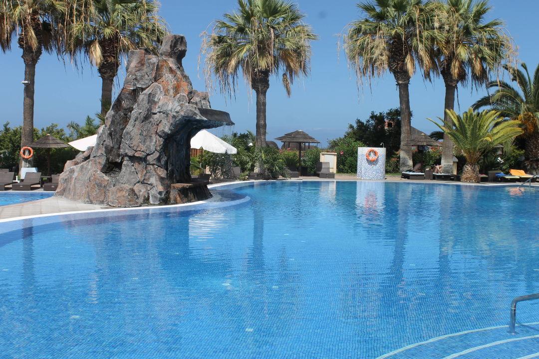 Pool mit wasserfall grand hotel callao callao salvaje holidaycheck teneriffa spanien - Pool wasserfall ...