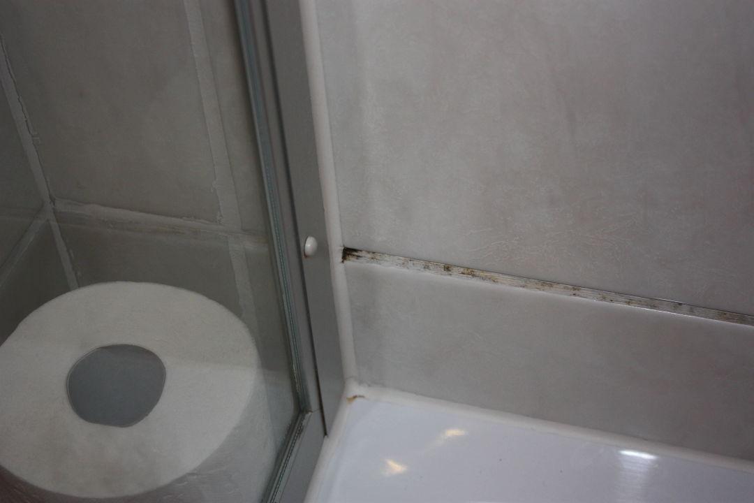 schimmel in der dusche hotel gierer wasserburg bodensee holidaycheck bayern deutschland. Black Bedroom Furniture Sets. Home Design Ideas