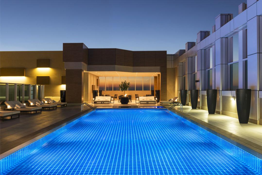Pool Sheraton Grand Hotel