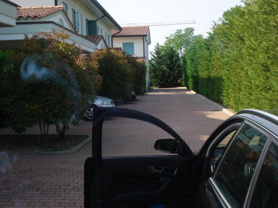 Zufahrt ans Zimmer Hotel Ca del Pino Villaggio