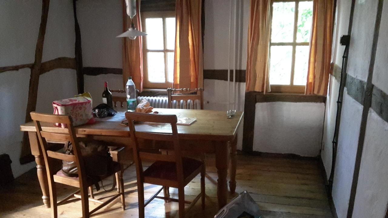 Bild schlafzimmer zu eifel hotel historische wasserm hle for Design hotel eifel bewertung