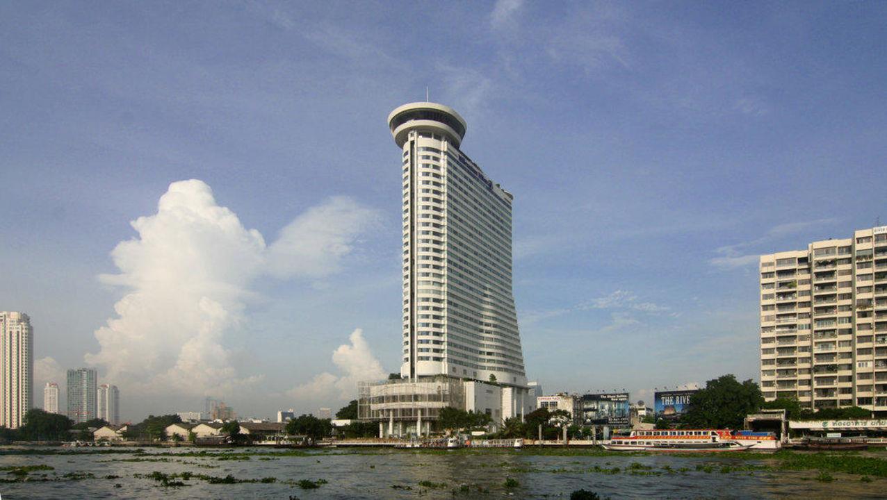 Das Hotel vom Fluß aus gesehn Millennium Hilton Bangkok