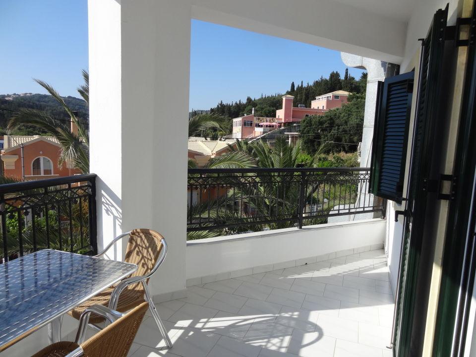 bild hotel suite zu hotel belle helene beach in agios georgios pagi. Black Bedroom Furniture Sets. Home Design Ideas