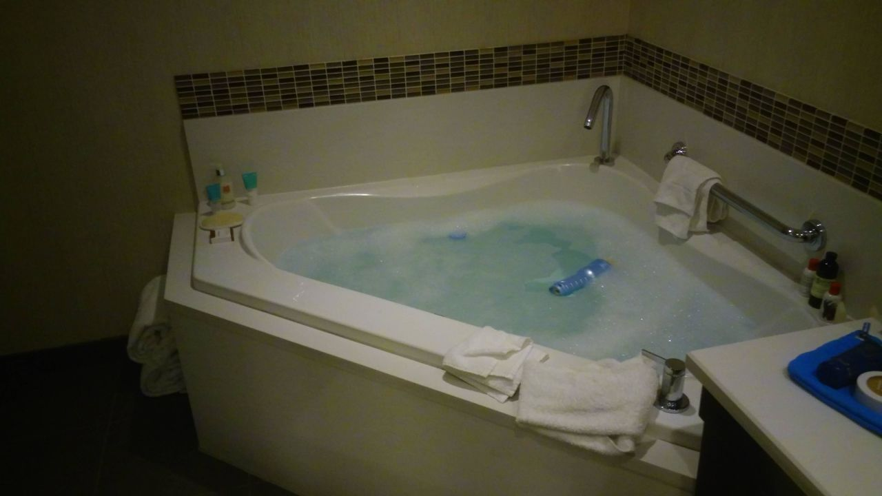 Love the Sp Tub theWit Chicago - a DoubleTree by Hilton Hotel