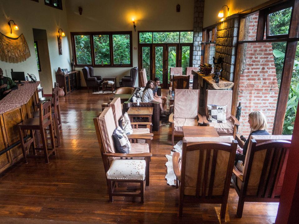 Gemütliche Bar. Endoro Lodge