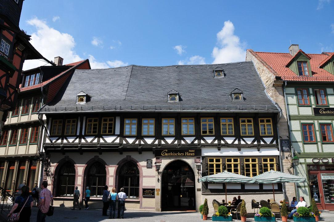 """Das Haus mit Restauranteingang"" Hotel Travel Charme"