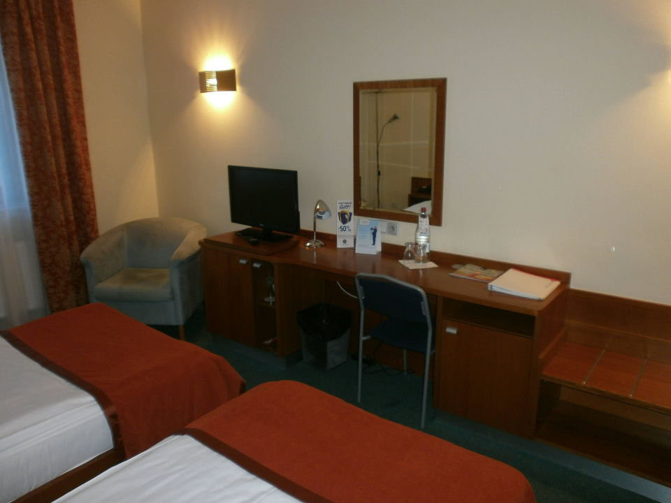 Das Zimmer Hotel Ramada Airport