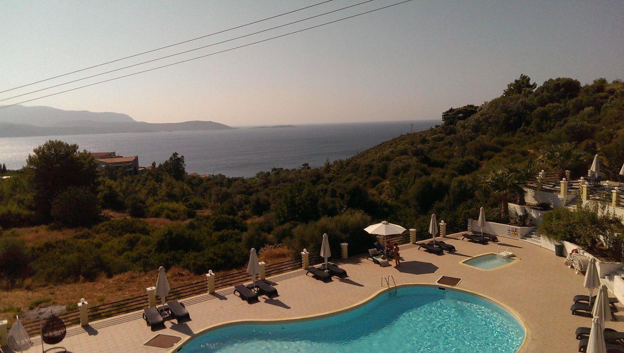 Blick vom Balkon unseres Zimmers Naftilos Boutique Hotel