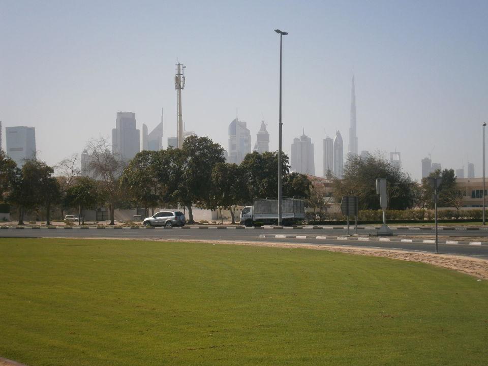 Ausssicht vor dem Hotel  Hotel The Country Club Dubai