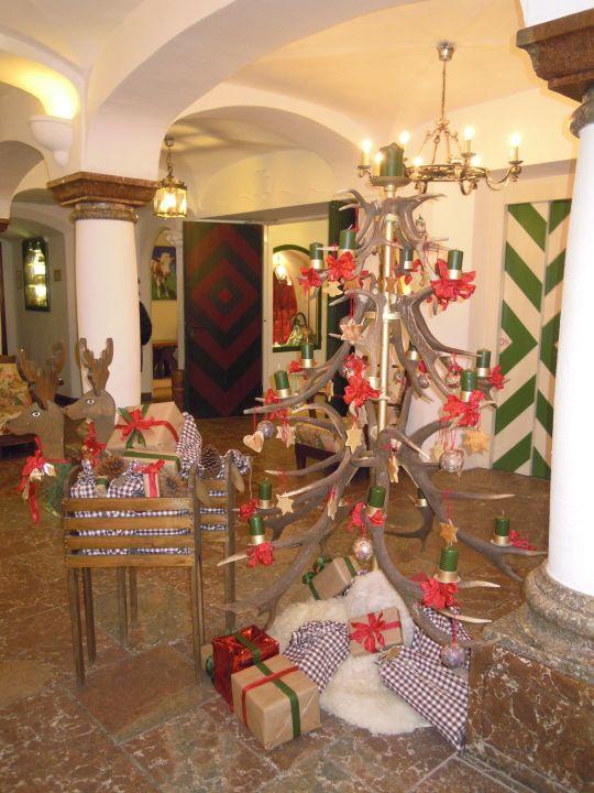 Weihnachtsbaum aus Hirschgeweih\
