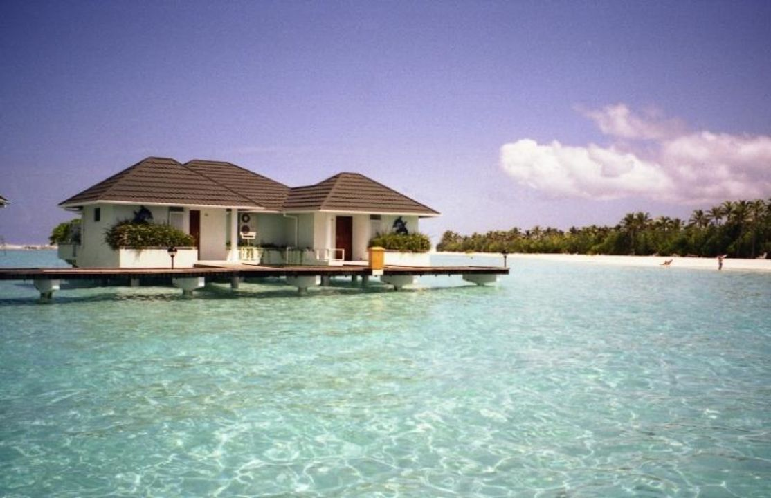 wasserbungalow paradise island resort spa mal. Black Bedroom Furniture Sets. Home Design Ideas