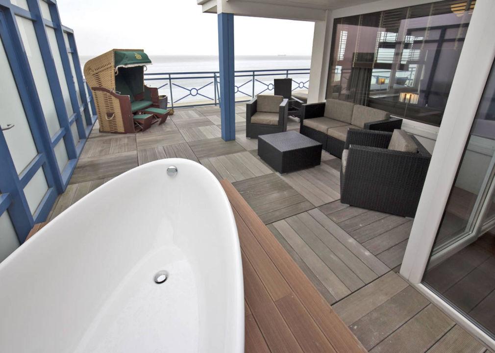 """Bild """"außen badewanne """" zu strandhotel duhnen / aparthotel kamp in ..."""
