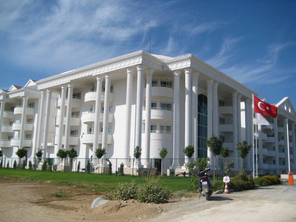 Blick auf das Hotel Roma Beach Resort & Spa