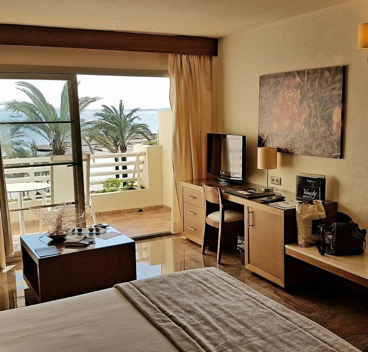zimmer mit ausblick vanity hotel golf adults only alcudia holidaycheck mallorca spanien. Black Bedroom Furniture Sets. Home Design Ideas
