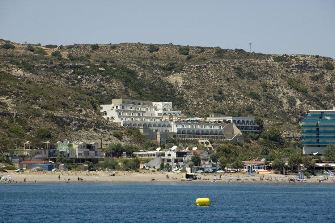 Blick vom Schnellboot auf das Hotel Hotel Calypso Palace