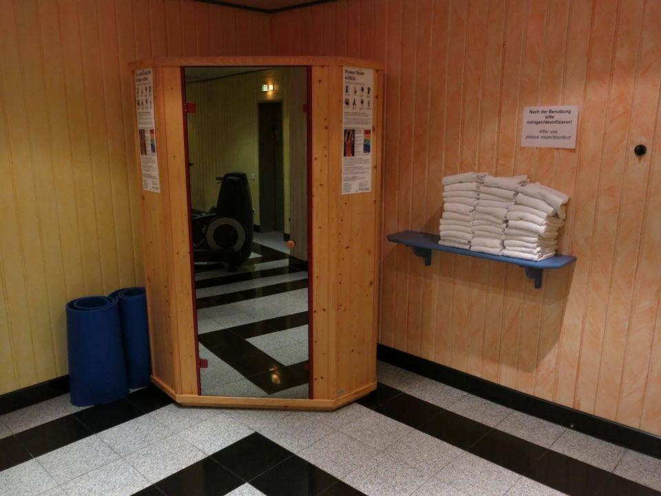 mini sauna maritim hotel n rnberg n rnberg holidaycheck bayern deutschland. Black Bedroom Furniture Sets. Home Design Ideas